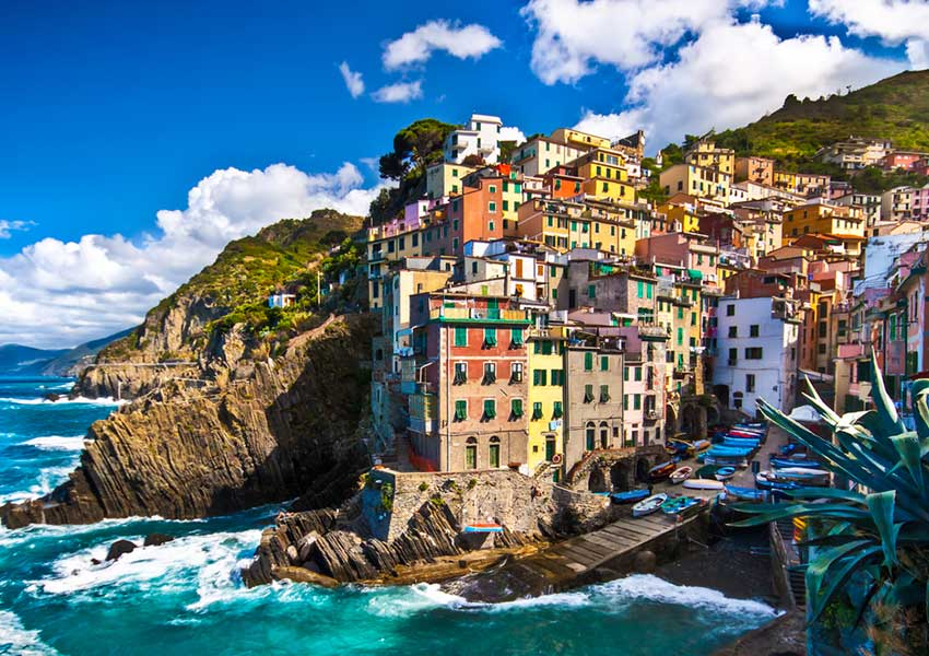 riomaggiore colourful houses on steep hill village world heritage cinque terre sailing route